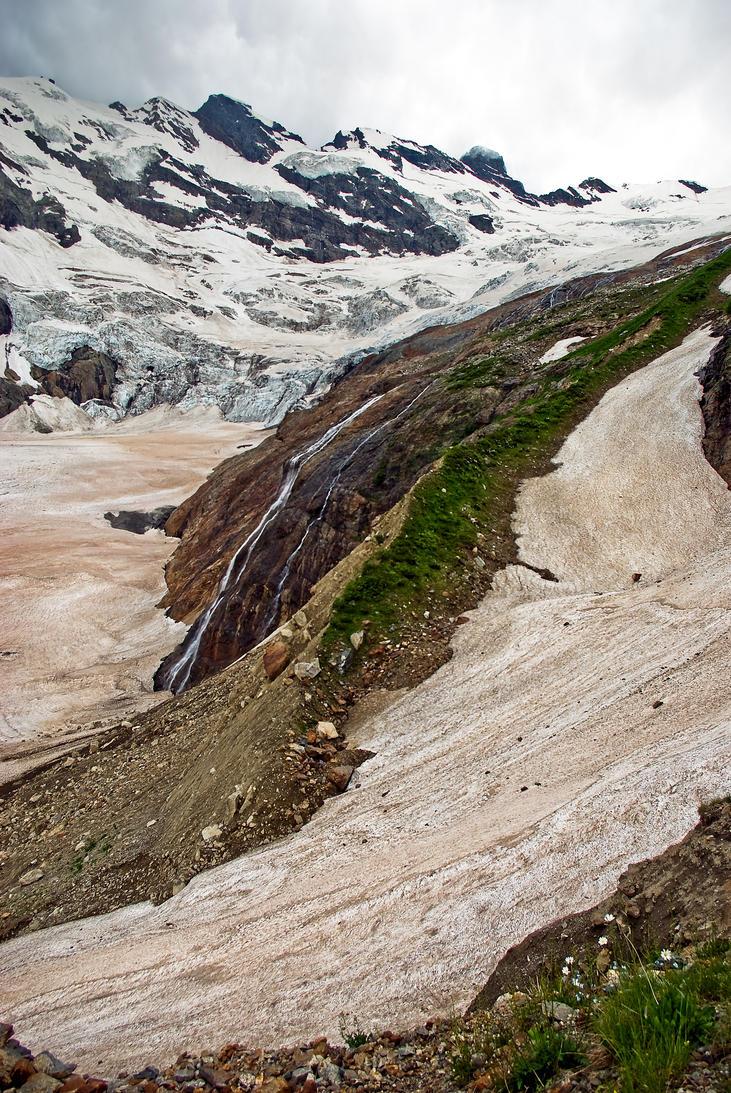Alibek Glacier by LordBurevestnik
