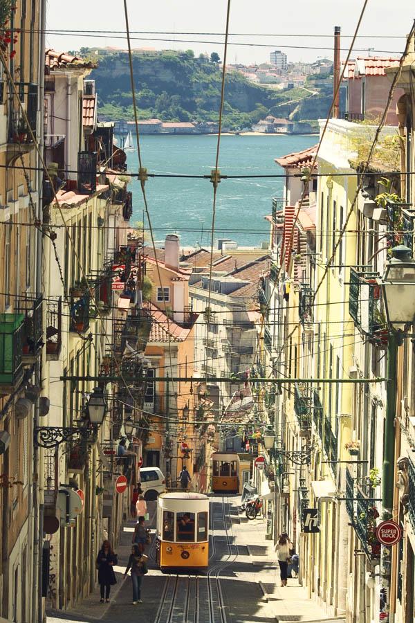 Lisbon by Ilman-Lintu