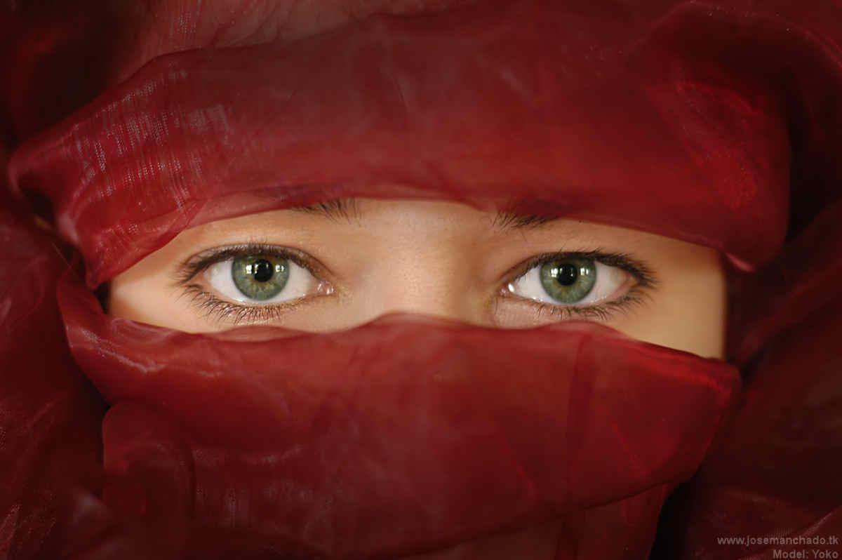 Red eyes by josemanchado