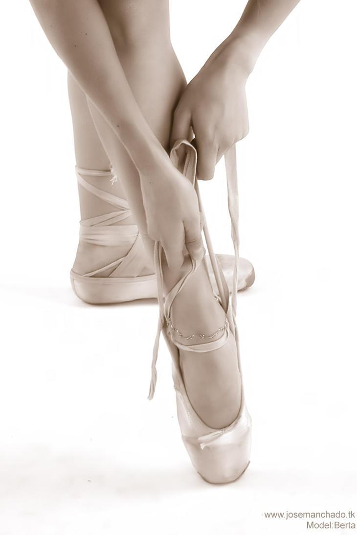 Berta - Classic ballerina pos2 by josemanchado