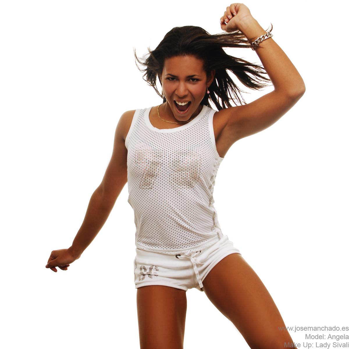 Angela - Jumping by josemanchado