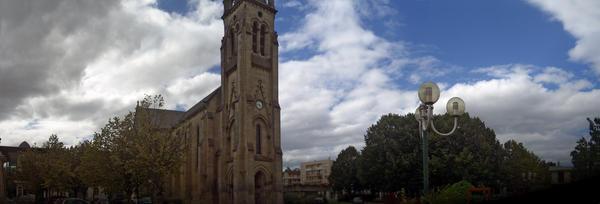 La vieille Eglise de Merignac by Hundredfires
