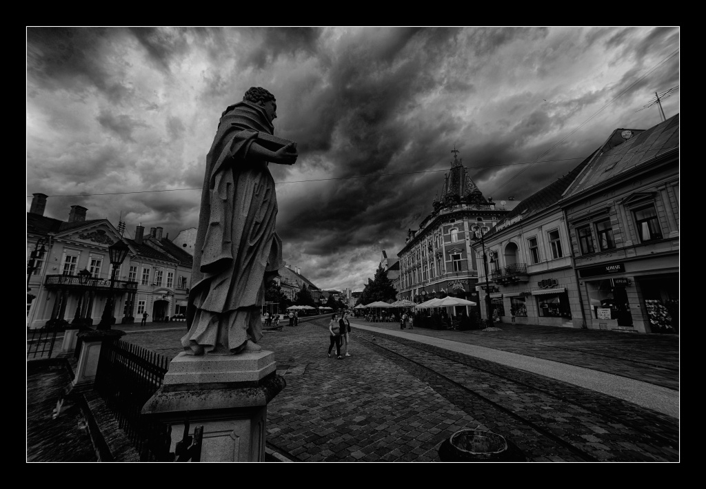 Silence before the storm by edgardRobertson