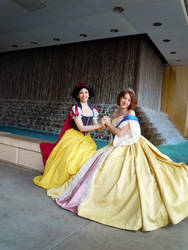 Kami-Con - Royal Friends (Snow White + Anastasia) by katyanoctis