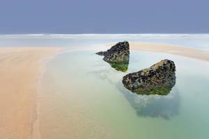 Bedruthan Steps Beach. by AdamMajchrzak
