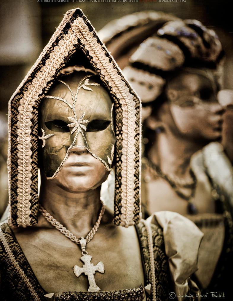 Venezia: Gold Lady by blueanto