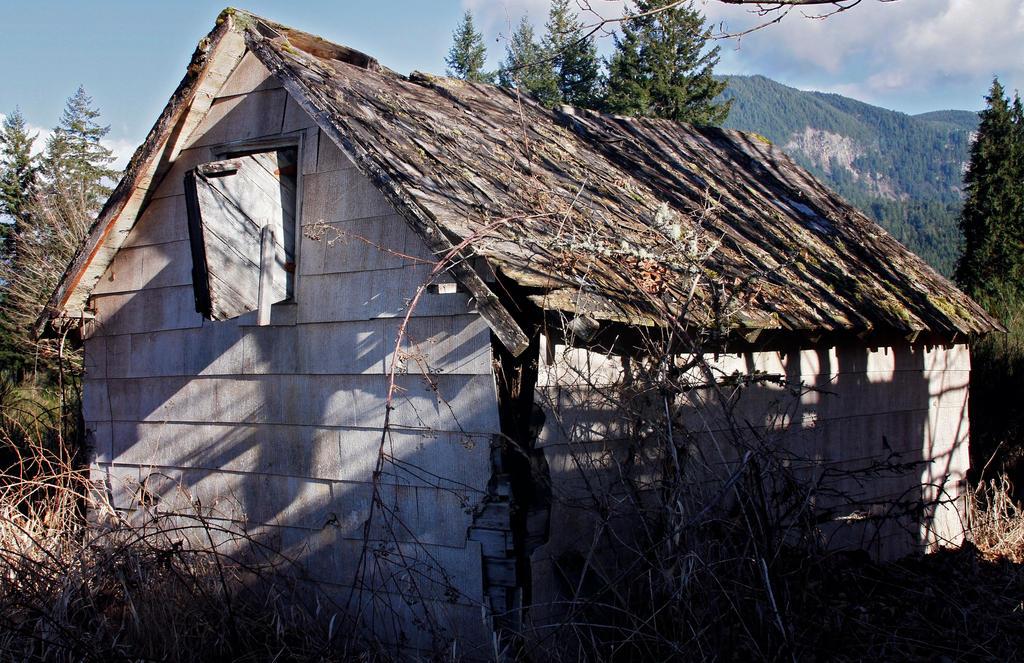 Old Barn by Kahlipsa