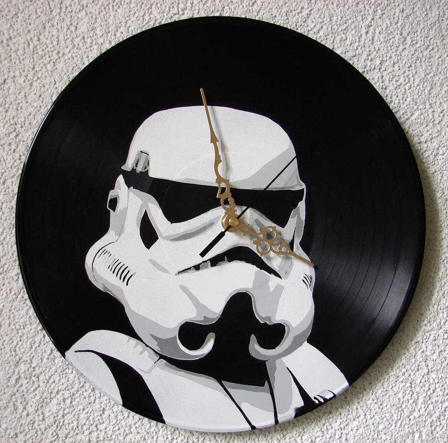 Stormtrooper stencil on vinyl clock by vantidus