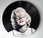 Marilyn Monroe with red lips stencil on vinyl