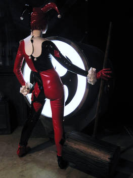 Come here, B! Harley needs you... dead.