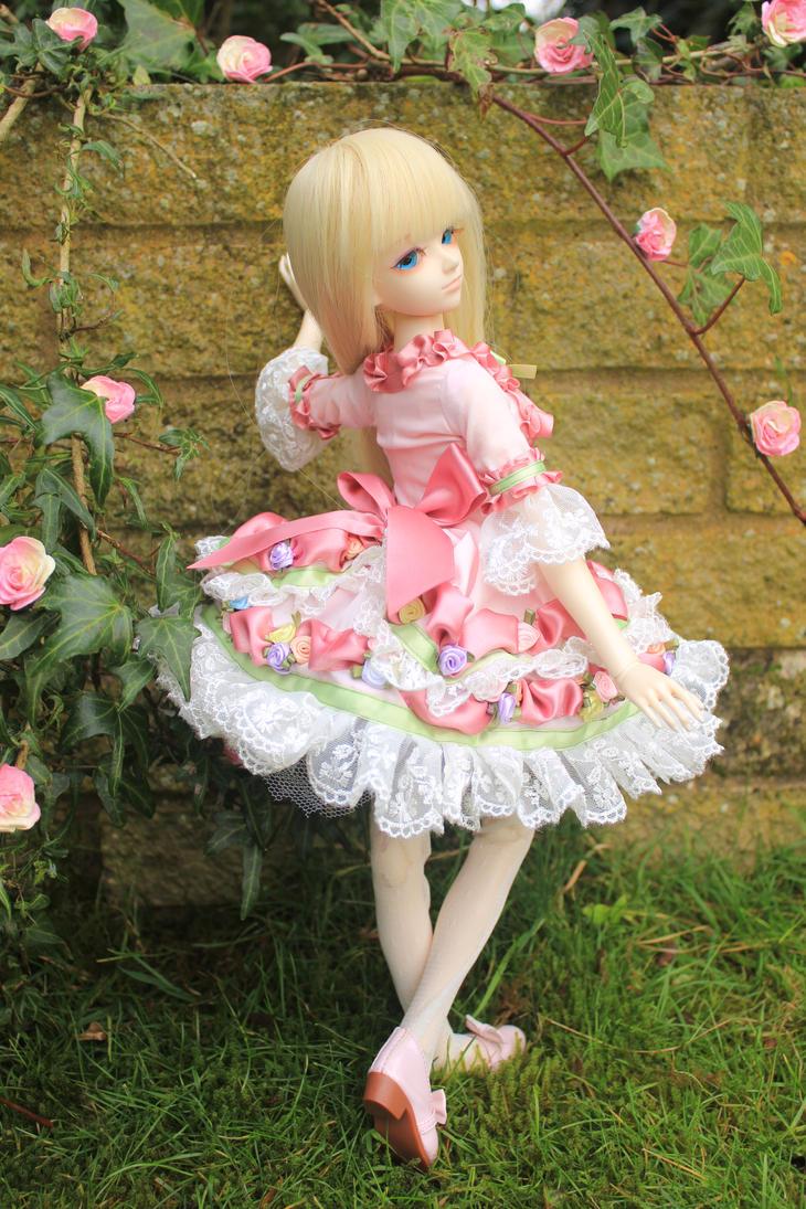 Angel of Roses by CeresMongrel