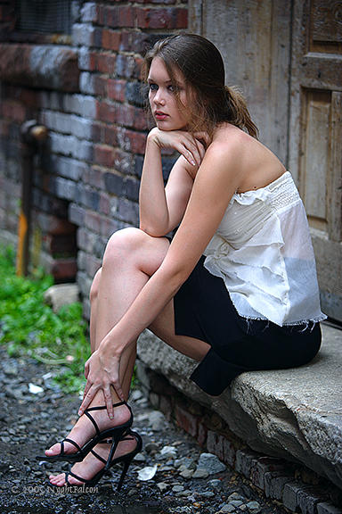 Izrazite svoja osecanja slikom In_the_Alley_by_NyghtFalcon