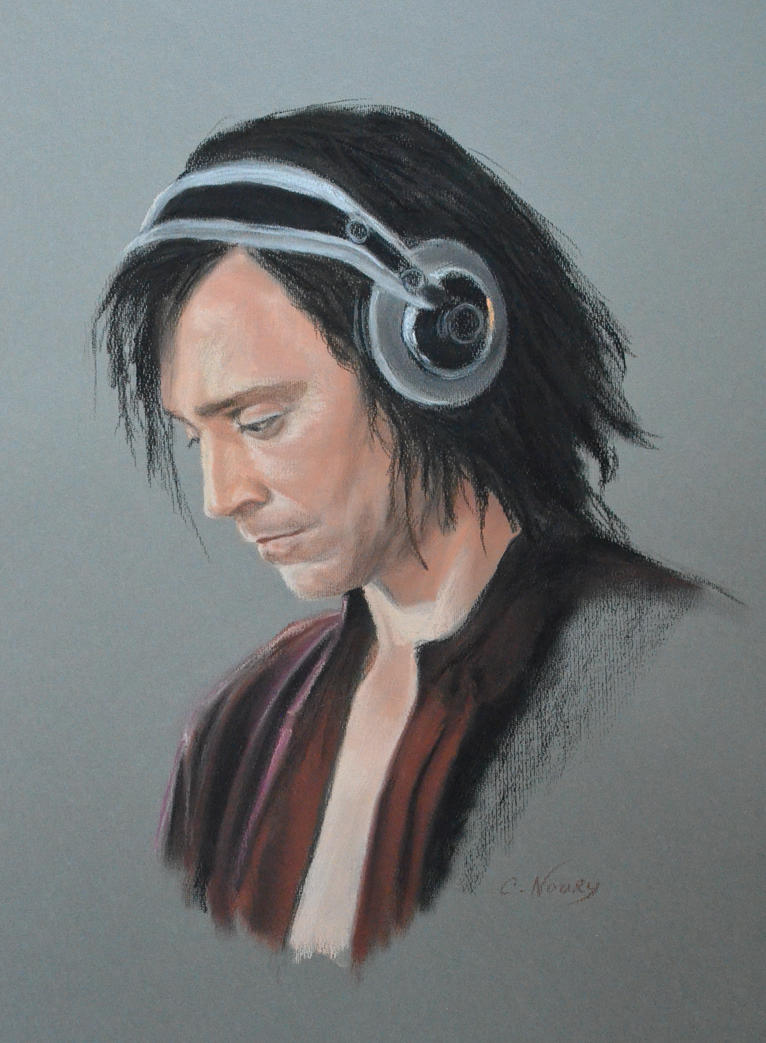 Tom Hiddleston's portrait 7 by Andromaque78