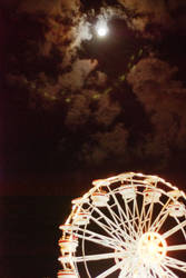 Ferris Wheel and the Moon by altieresrohr
