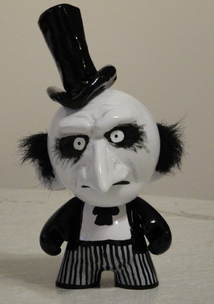 The Penguin -in Munny form- by mightyquarfoth
