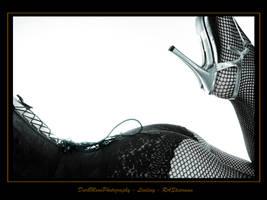 Lindsey-4995-WP-Master by darkmoonphoto