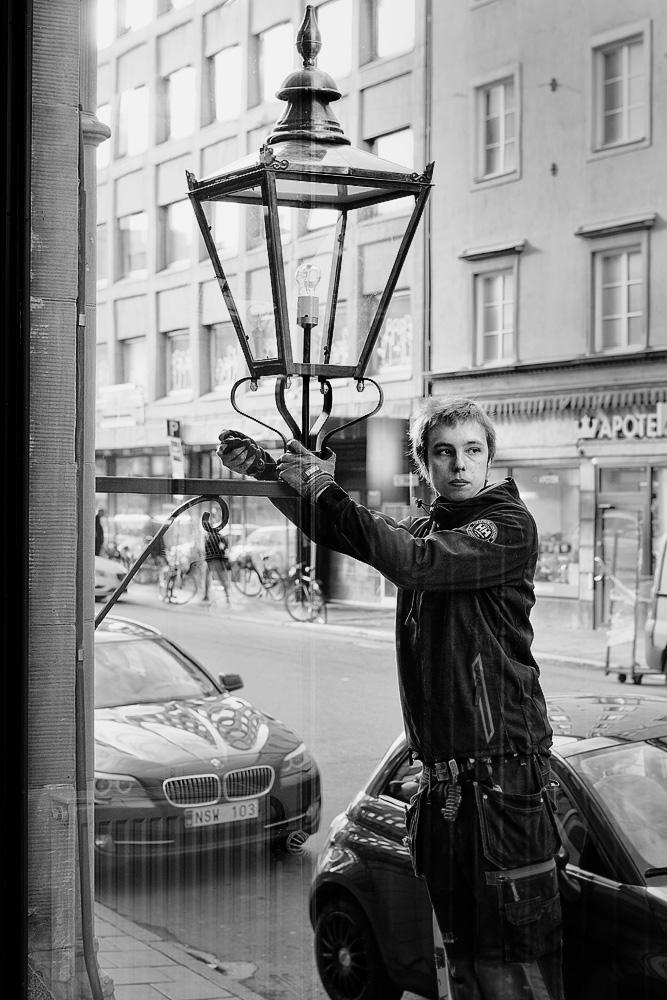 Lantern Fixer by sandas04