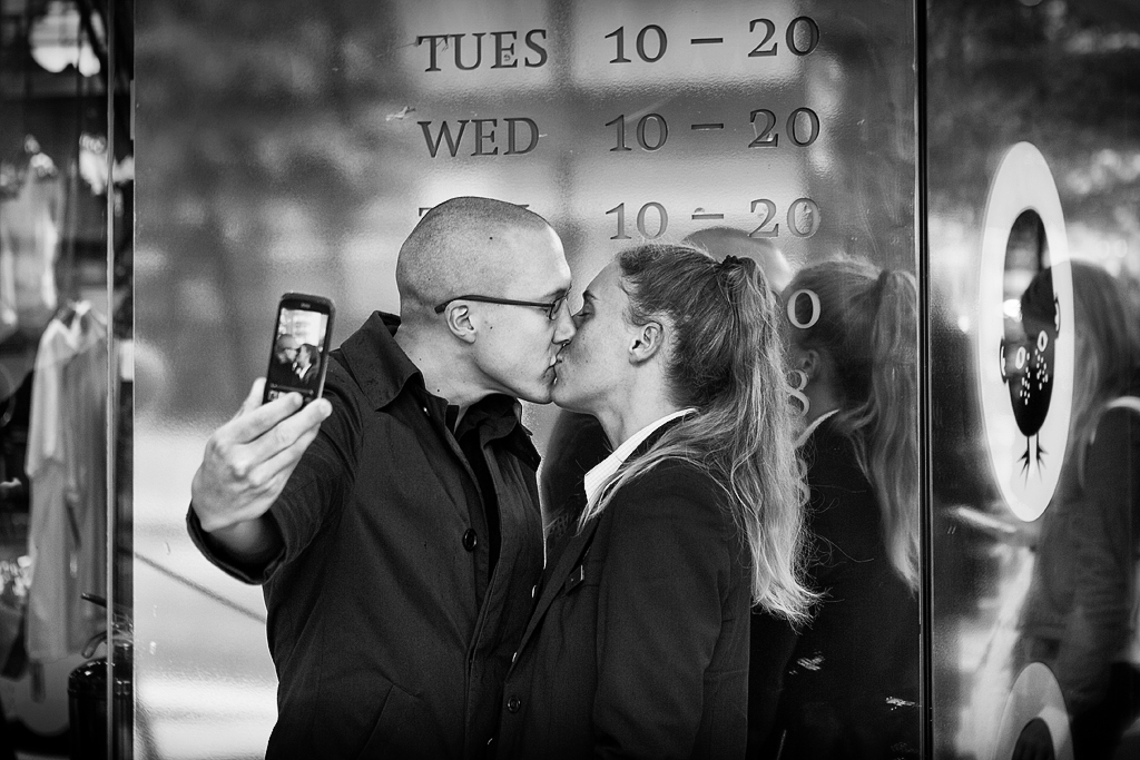 Selfie Kiss by sandas04
