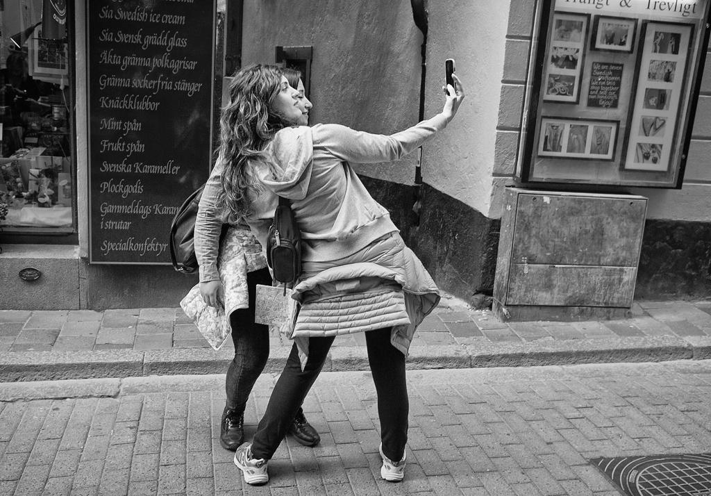 Selfie Girls by sandas04