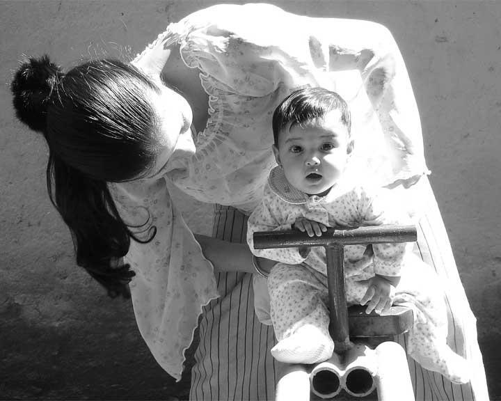 Madre e hija 2 by ~rbalzag69 on deviantART