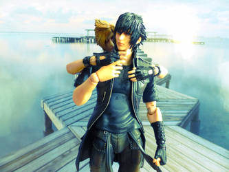 Play Arts Kai FFXV - Hug by Riku-Glaedr