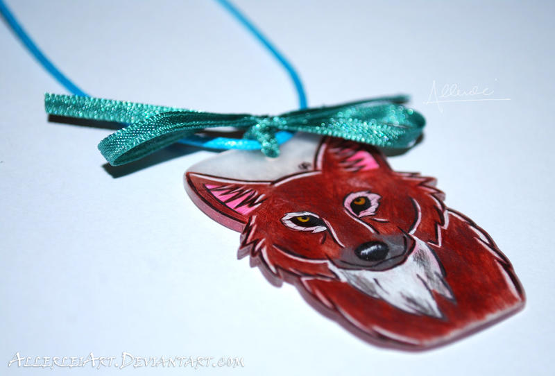 Wolfy Wolf Necklace by AllerleiArt