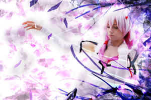 Take My Hand - Inori Yuzuriha Cosplay
