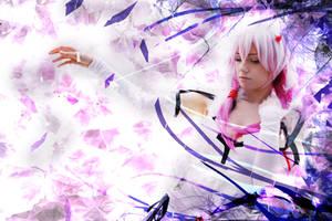 Take My Hand - Inori Yuzuriha Cosplay