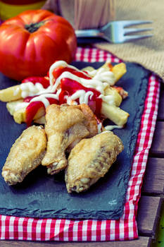 Chiken Wings with Fries 1C SanchiEsp