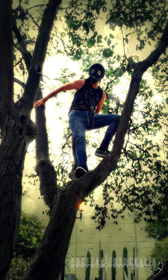 Ivan CB Mascara de Gas Tree Bench 017 by POKETAZ