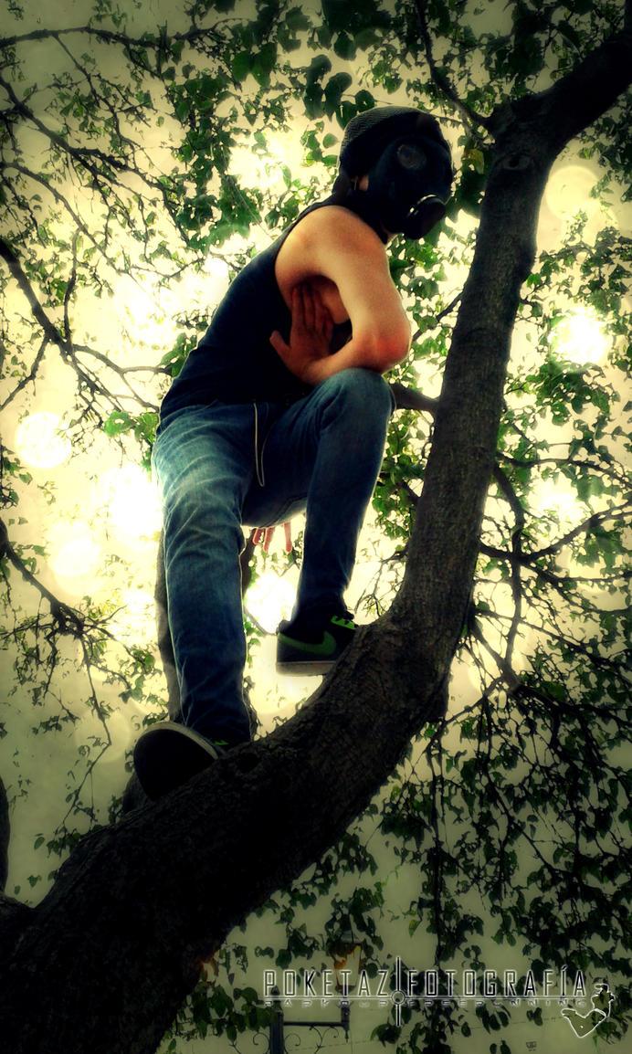 Ivan CB Mascara de Gas Tree Bench 018 by POKETAZ