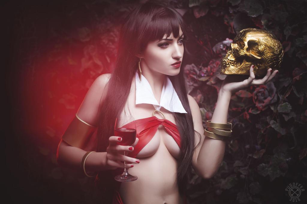 Vampirella cosplay by MrProton
