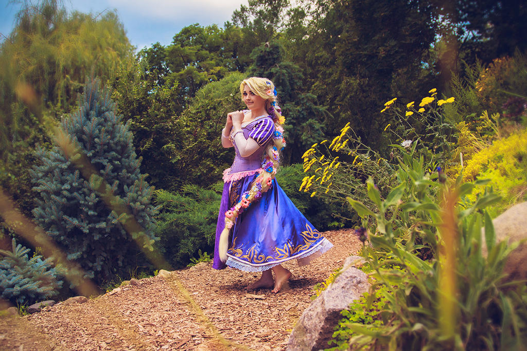 Rapunzel cosplay by MrProton