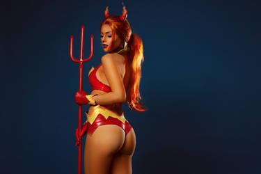 Starfire cosplay