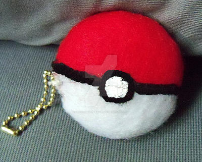Pokemon Pokeball Plush Keychain by moonphiredesign