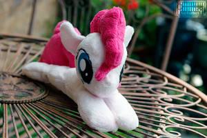 Pinkie beanie 2 by Key-FeathersMLP