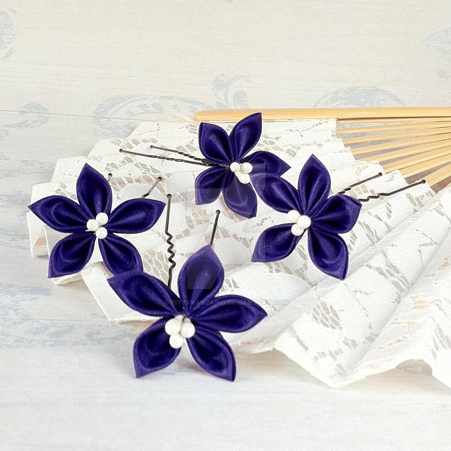 Purple flower hairpins by kittykanzashi