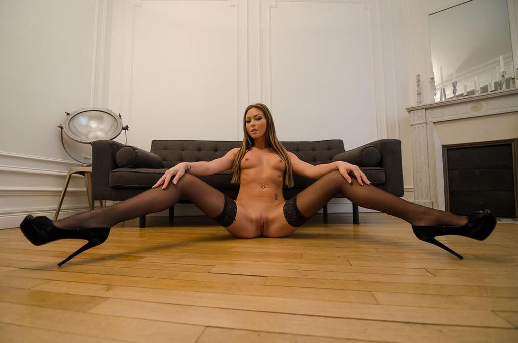 Natalia Forrest - Wide by emenaut