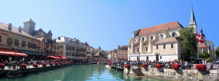 Annecy by iainhallam