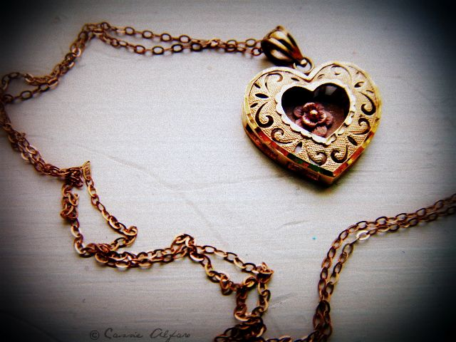 Romanticno srce - Page 2 Necklace_by_cassiestarfox-d3rbz2a