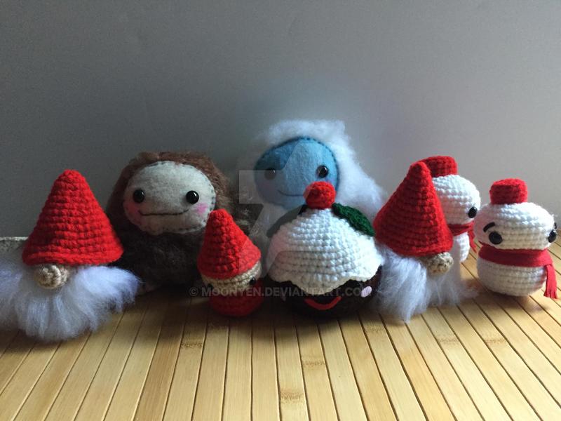 Holiday Dolls! by MoonYen