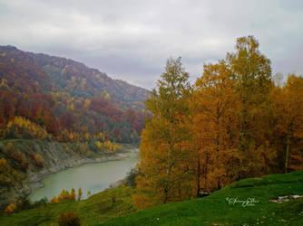 Autumn Lake by HikarinoChou