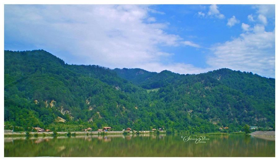 Valea Oltului by HikarinoChou
