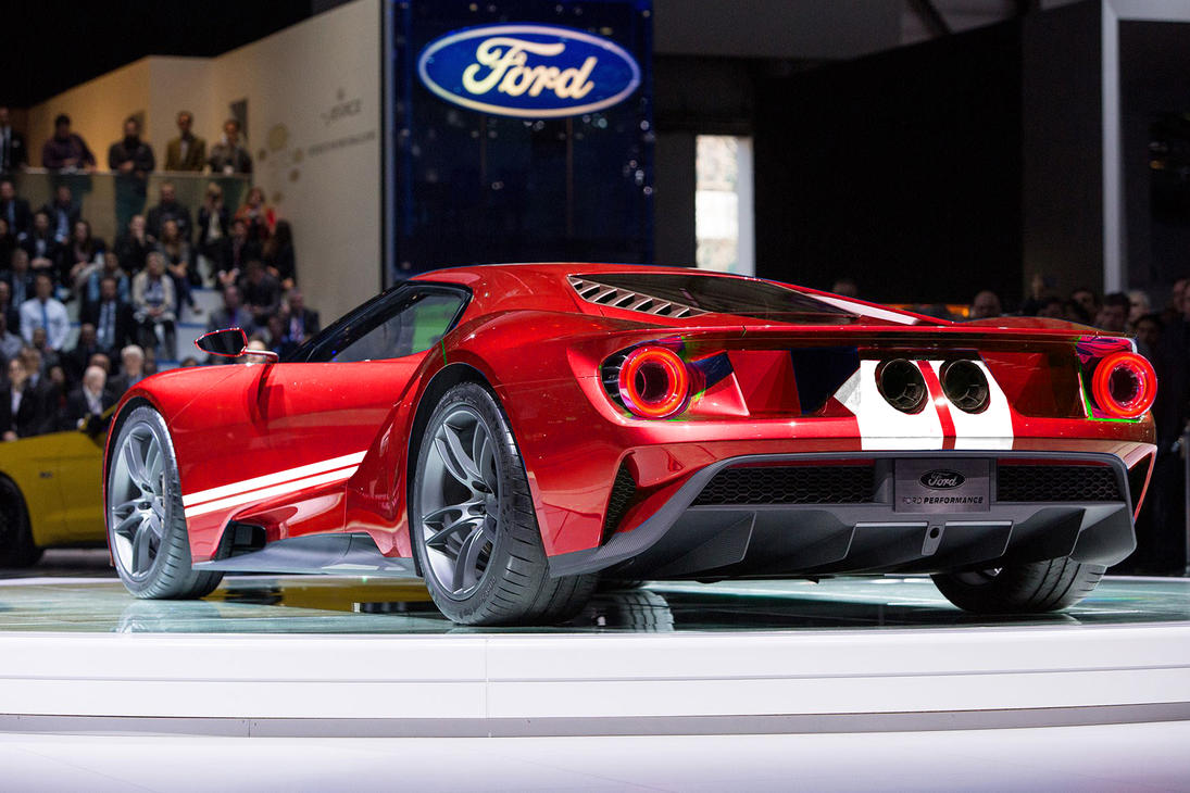 Ford Gt  Red With White Stripes By Srlangui
