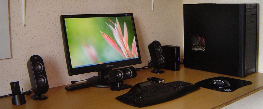 My workstation by Jamush