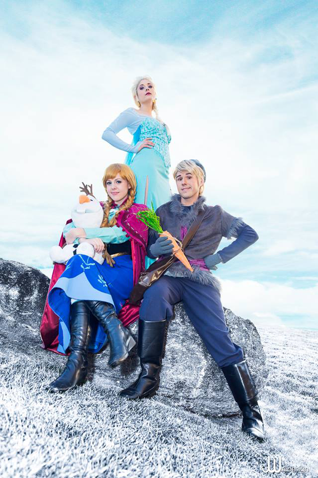 Epic Frozen Cosplay Group by Chingrish
