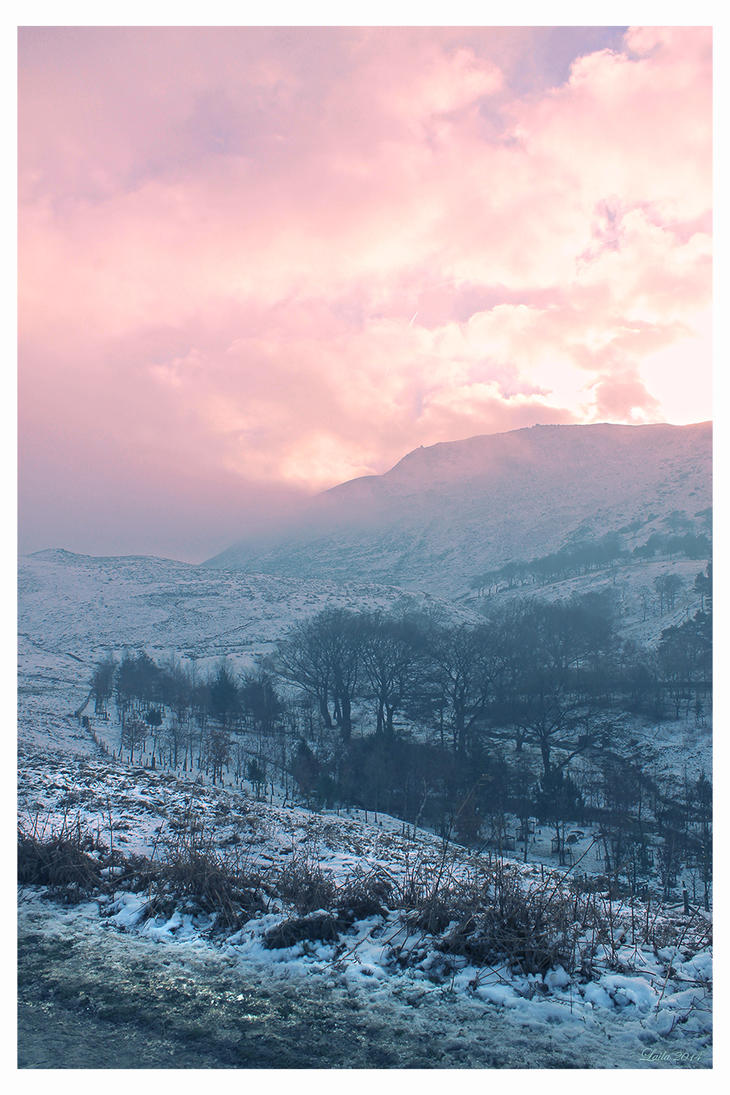 Dovestones in the Snow by dreamsofwinter