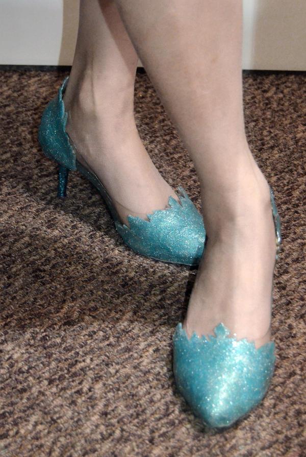 Frozen: Elsa Shoes by Stealthos-Aurion