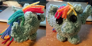 Crochet Rainbow Dash by Pawpr1nt