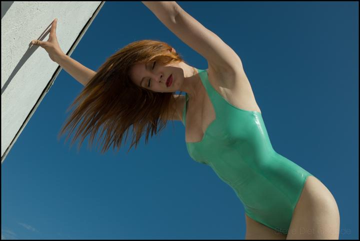 Kat Syren Latex Swimsuit by stevedietgoedde